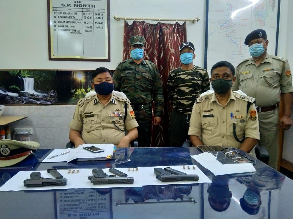 त्रिपुरा में दो उग्रवादियों ने किया आत्मसमर्पण