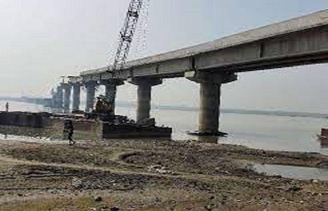 उप्र में 4694 करोड़ की लागत से बन रहे 167 दीर्घ नदी सेतु