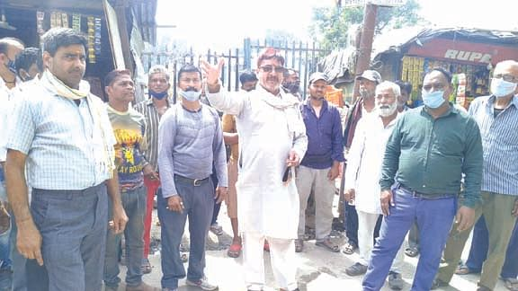 demonstration-of-angry-people-by-closing-brahmapuri-marg