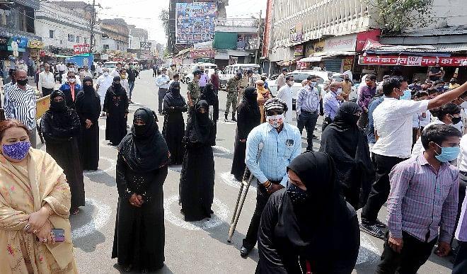 कोविड-19-मास्क-से-परहेज-पर-इंदौर-में-250-से-ज्यादा-लोगों-को-खानी-पड़ी-जेल-की-हवा