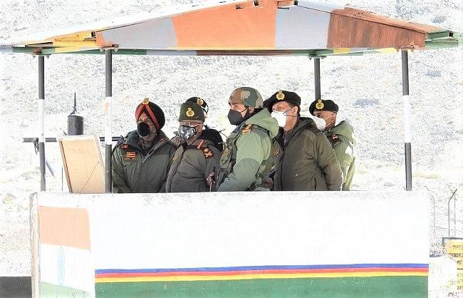 सेना प्रमुख ने सियाचिन, पूर्वी लद्दाख में सैनिकों का हौसला बढ़ाया