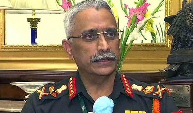 सेना प्रमुख जनरल नरवणे पांच दिवसीय यात्रा के लिए बांग्लादेश रवाना, कई रणनीतिक मुद्दों पर होगी चर्चा