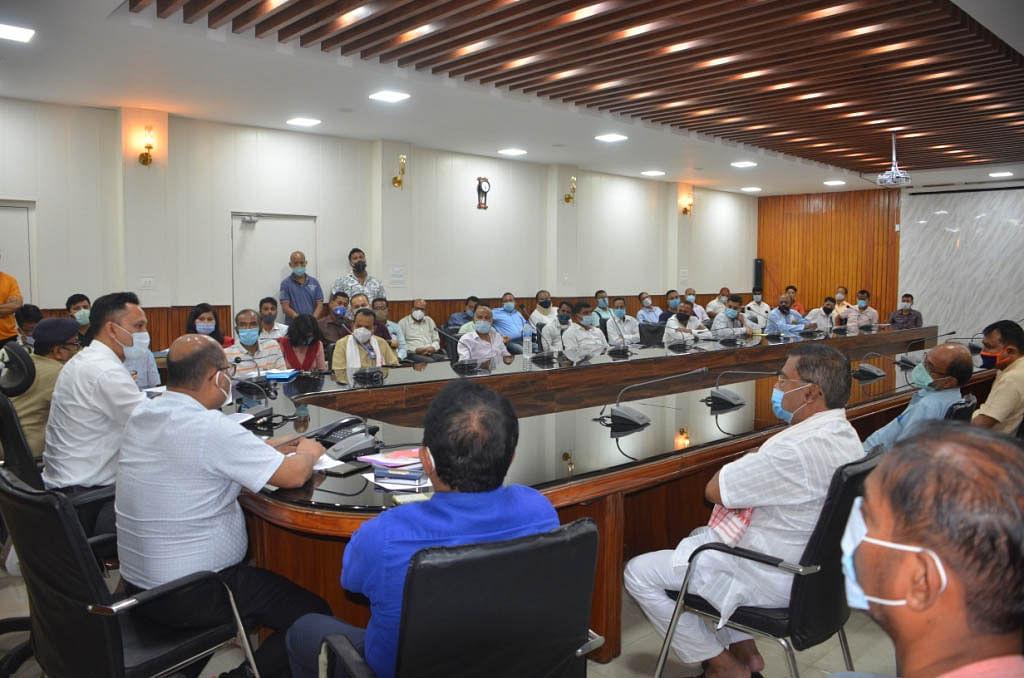 बिहू कमेटियों के पदाधिकारियों के साथ कामरूप (मेट्रो) प्रशासन ने की आपात बैठक
