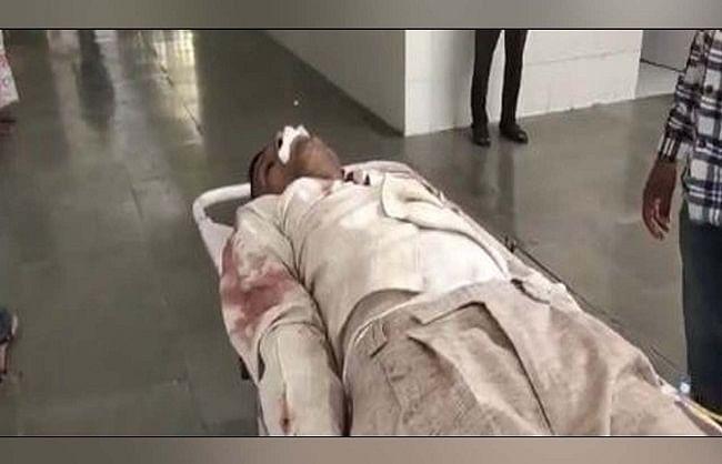डकैती मामले में पकड़े गए अभियुक्त ने थाना में जीभ काटी