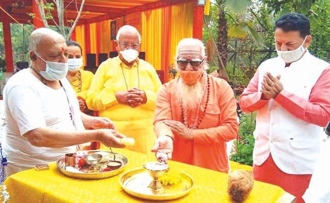 भगवान विष्णु हैं जगत के पालनहारः दुर्गेशानंद