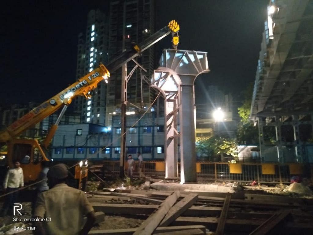 पश्चिम रेलवे ने माहिम स्टेशन के दक्षिणी पैदल ऊपरी पुल को डिस्मेंटल किया