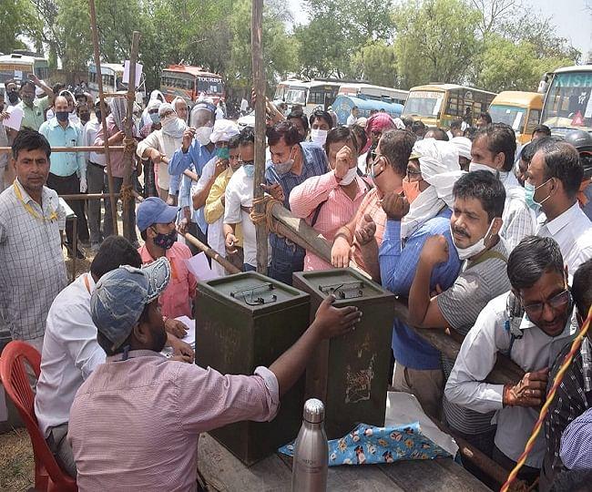पंचायत चुनाव : 5214 पदों के लिए 12 लाख मतदाता मत पेटियों में बंद करेंगे 9711 उम्मीदवारों का भाग्य