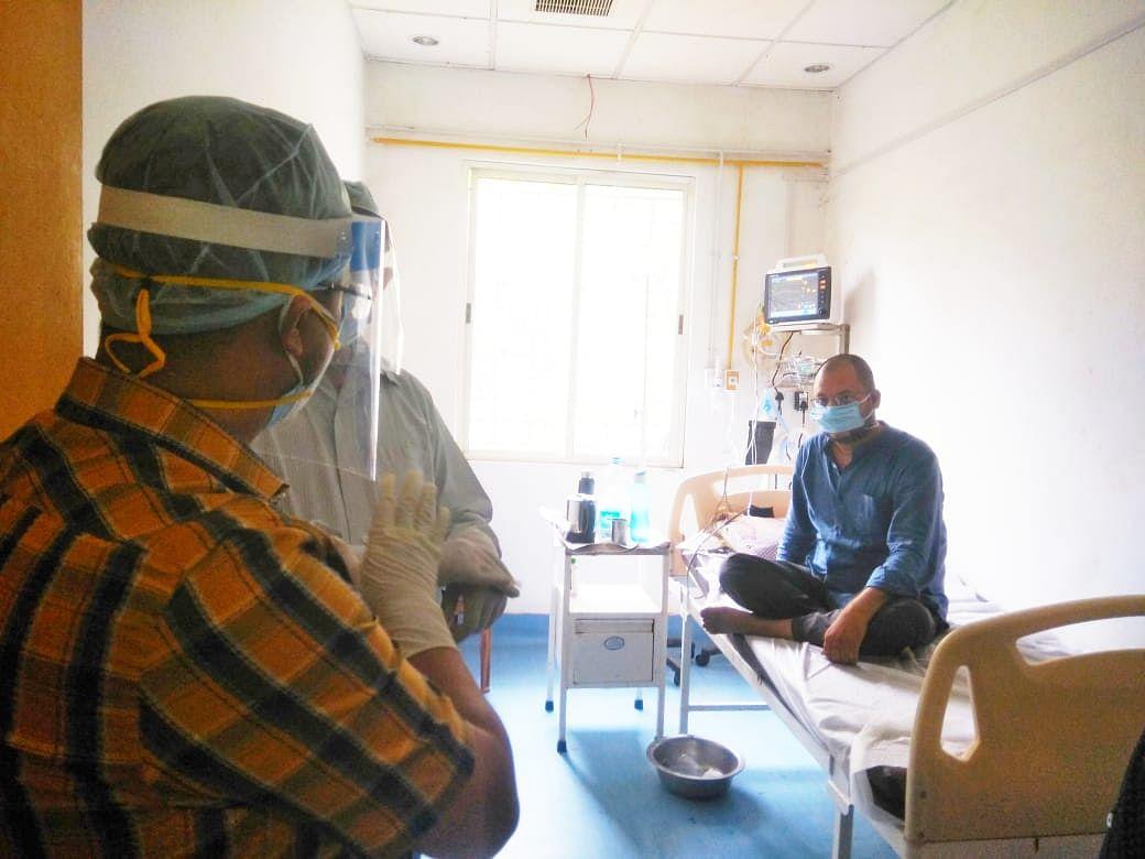 डीसी ने किया पीएमसीएच कैथ लैब कोविड केयर केंद्र का निरीक्षण