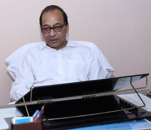 vajpayee-assumed-charge-of-technical-director-of-power-transmission-company