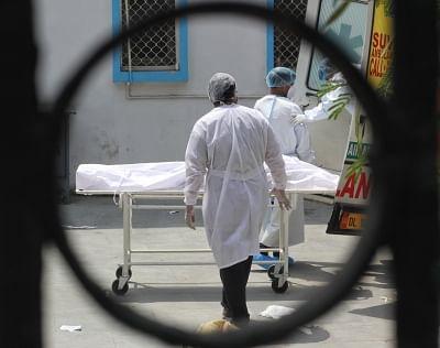 दिल्ली : कोरोना से 395 लोगों की मौत, 1 दिन में सबसे अधिक मौतों का रिकॉर्ड