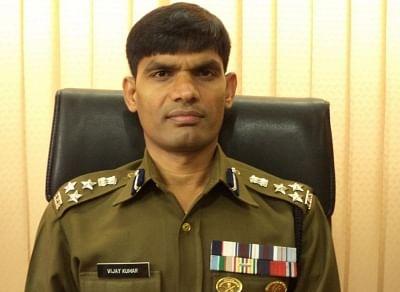 जम्मू कश्मीर पुलिस ने ये सुनिश्चित किया की स्वास्थ्य कार्यकर्ताओं और आवश्यक सेवाओं की आवाजाही बनी रहेगी