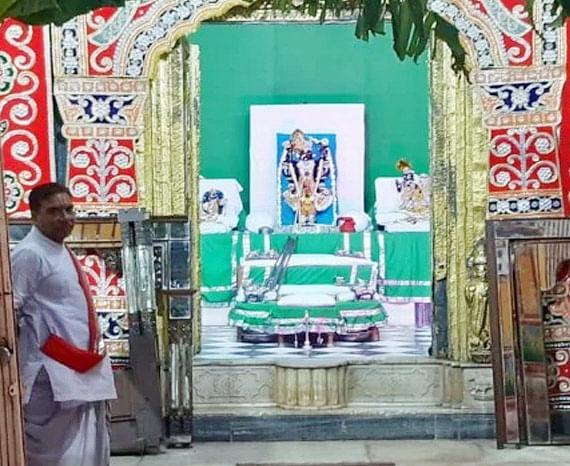 मथुरा : सात अप्रैल से मन्दिर में बगैर मास्क के प्रवेश नहीं दिया जाएगा