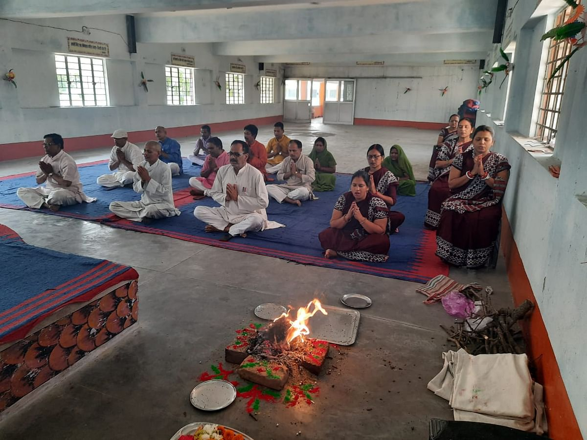 नरगाकोठी सरस्वती शिशु मंदिर में हवन पूजन के साथ नये सत्र का हुआ शुभारंभ