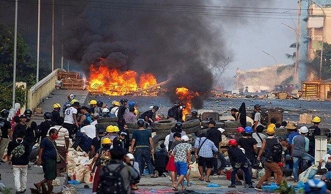 म्यांमार प्रदर्शनकारियों पर हिंसक कार्रवाई की UN ने की निंदा