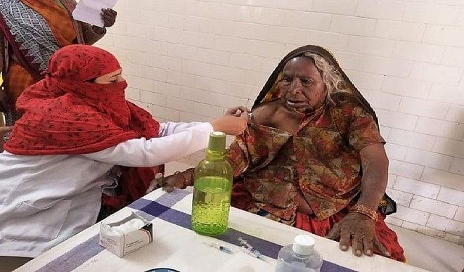 कोरोना टीकाकरण करवाने वाली देश की सबसे बुजुर्ग महिला बनी 118 वर्षीय तुलसा बाई