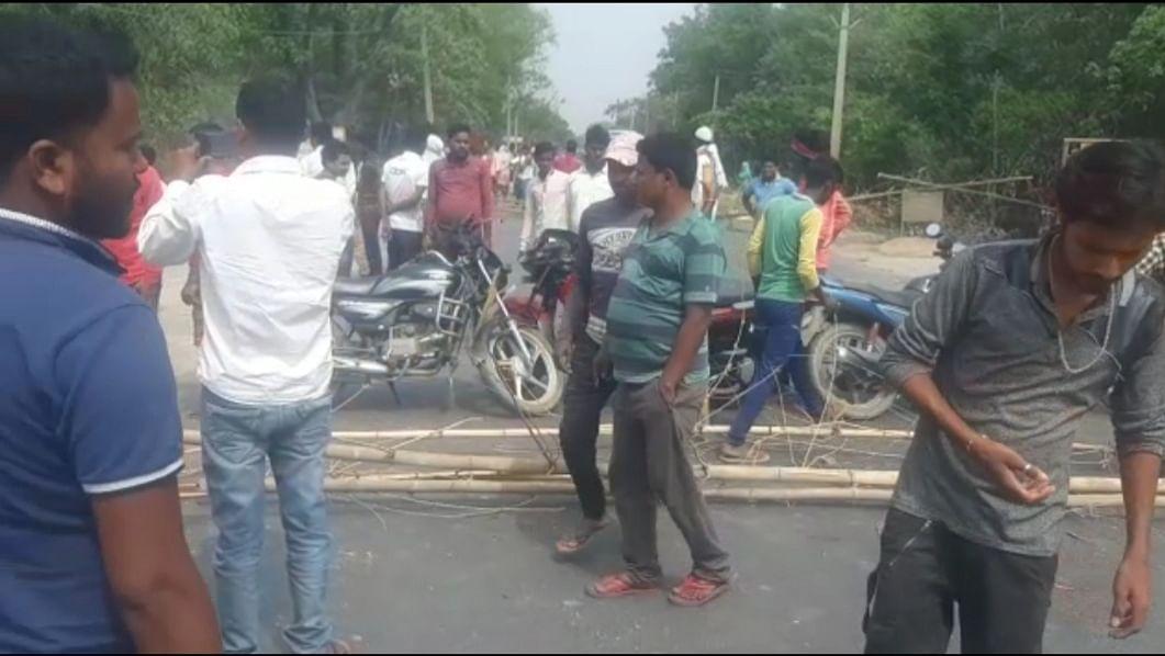 ट्रक से कुचलकर बाइक चालक की मौत