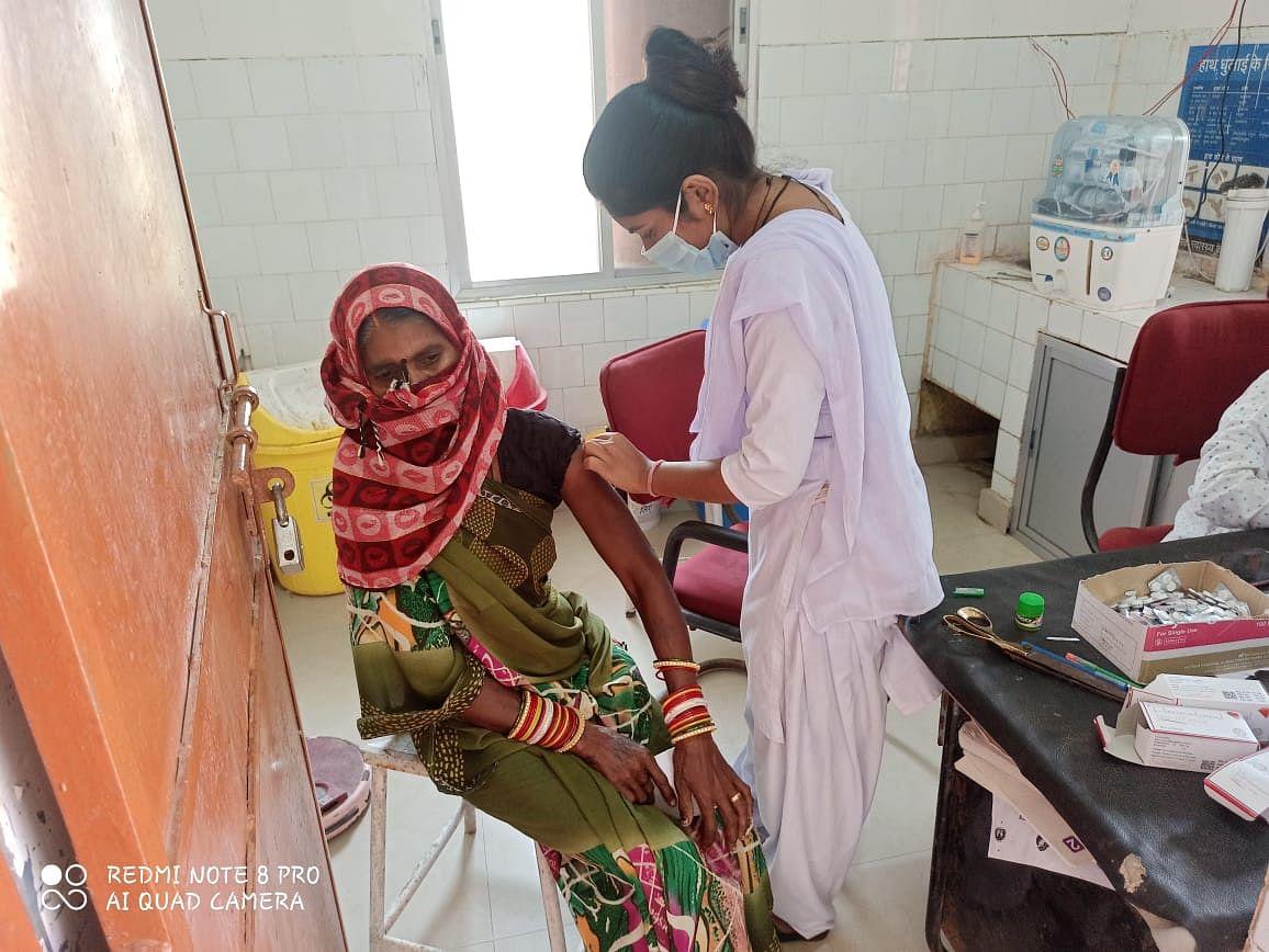 दुर्ग: 20 हजार से अधिक हितग्राहियों ने तीन दिन में लगवाया कोरोना का टीका