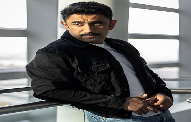 after-aamir-khan-actor-amit-sadh-has-made-a-distance-from-social-media