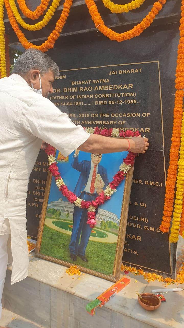डॉ. भीव राव की जयंती पर संघ सरकार्यवाह होसबाले ने पुष्पांजलि अर्पित कर किया याद