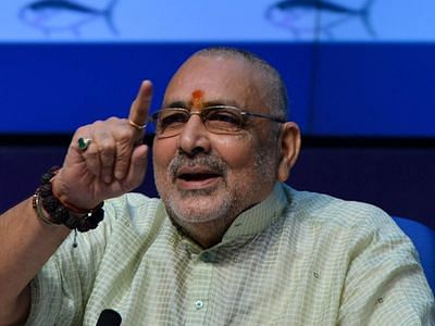 mamta-didi-killed-sanatani-servant-in-every-house-with-poison-of-appeasement-giriraj-singh