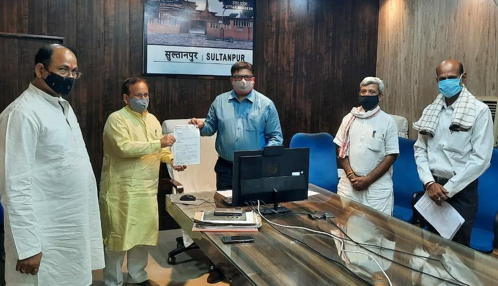 तृणमूल कांग्रेस नेता के खिलाफ बीजेपी ने खोला मोर्चा