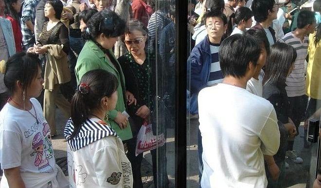 कोरोना की रफ्तार बढ़ने से चीन के युवाओं में खौफ, मौत के डर से लिखने लगे वसीहत?