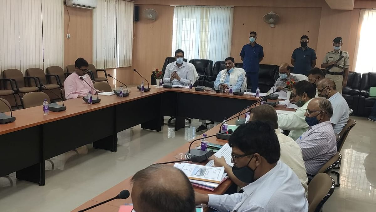 minister-sanjay-jha-reviews-47-schemes-for-anti-flood-erosion-works