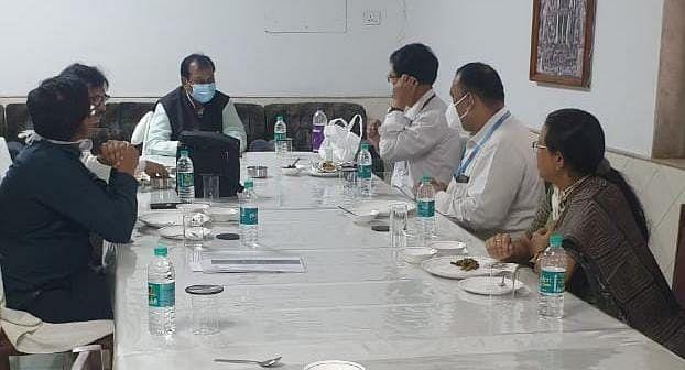 दुर्ग:  आरटीपीसीआर टेस्ट ज्यादा हो, सांसद विजय बघेल ने दुर्ग पहुंची केंद्रीय टीम से चर्चा की