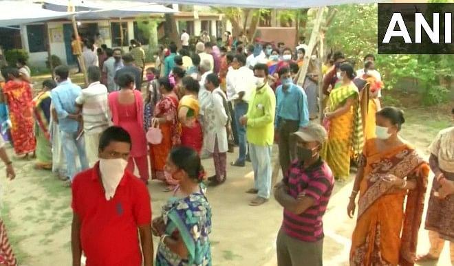 बंगाल में अंतिम चरण का मतदान शुरू, 35 सीटों पर वोटिंग जारी