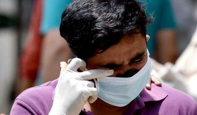 उत्तर प्रदेश में बढ़ रहा है कोरोना वायरस से मौत का आंकड़ा, 24 घंटे में 298 लोगों की मौत, 35156 नए मरीज