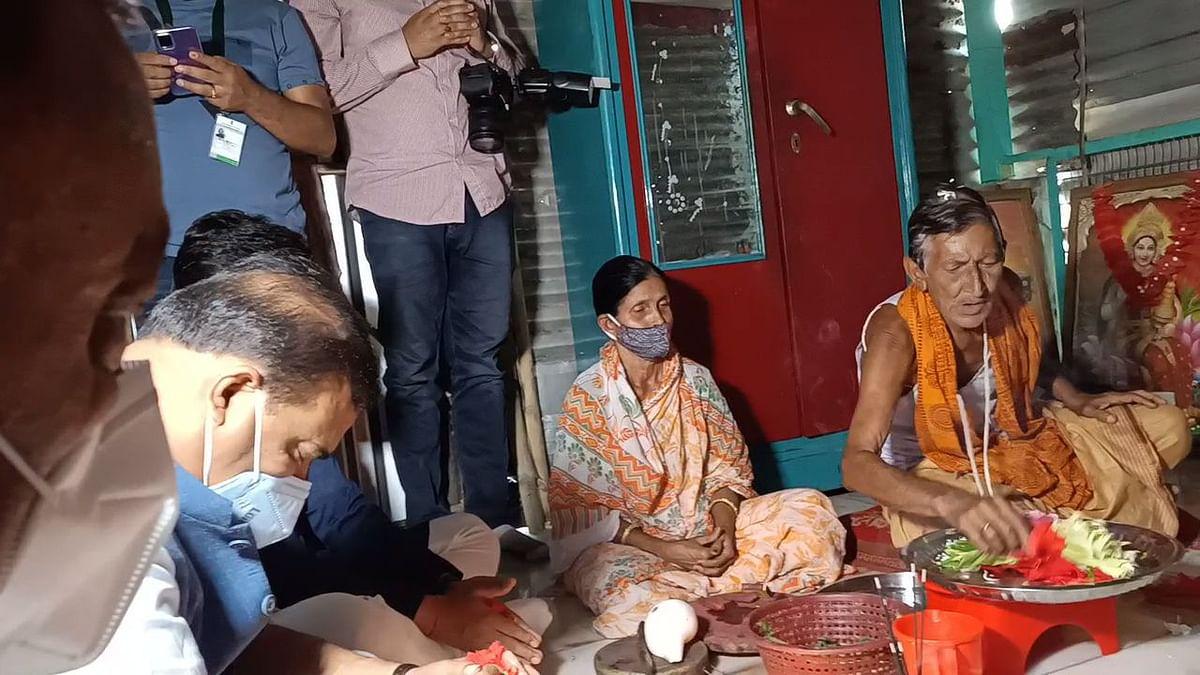 काली मंदिर पहुंचकर डॉ विश्वशर्मा ने की पूजा अर्चना