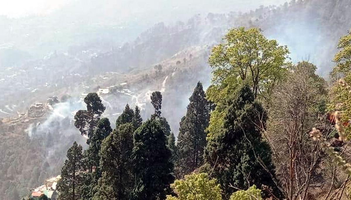 chadta-forest-fire-near-nainital