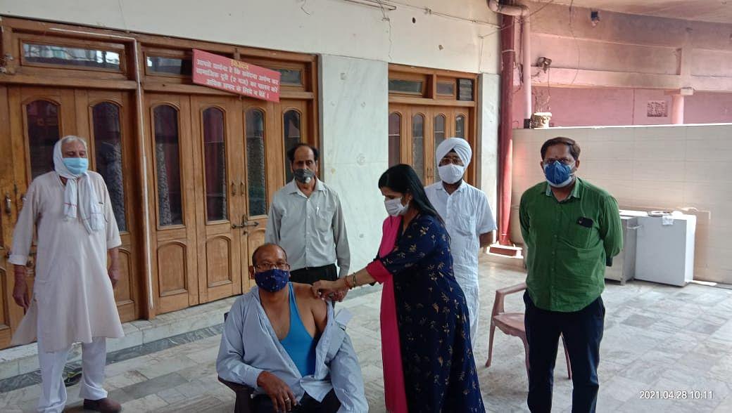 पांच मंदिर में निशुल्क वैक्सीनेशन कैंप लगा