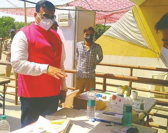 खानपुर विधायक ने क्षेत्र का दौरा किया