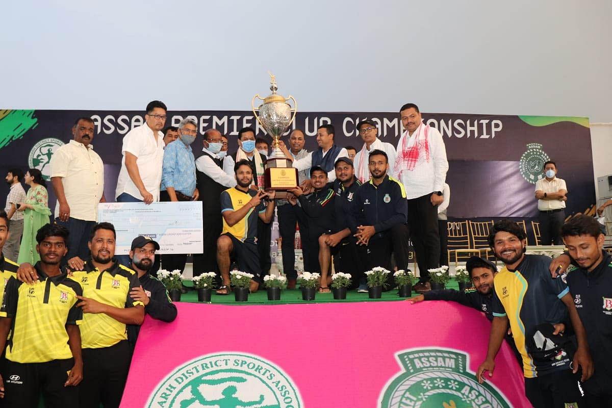 डिब्रूगढ़ में प्रीमियर क्लब क्रिकेट चैंपियनशिप के विजेता टीम को सीएम ने दिया पुरस्कार