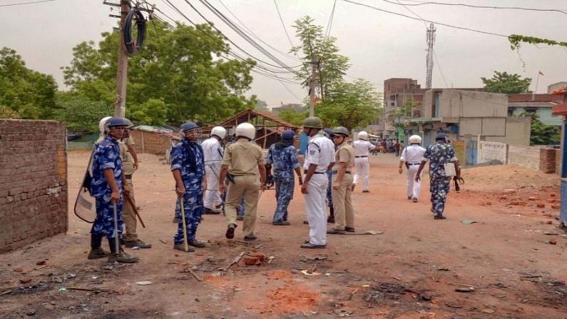 बंगाल में हिंसा न रुकने पर चुनाव आयोग खफा, पुलिस पर्यवेक्षक दिल्ली तलब