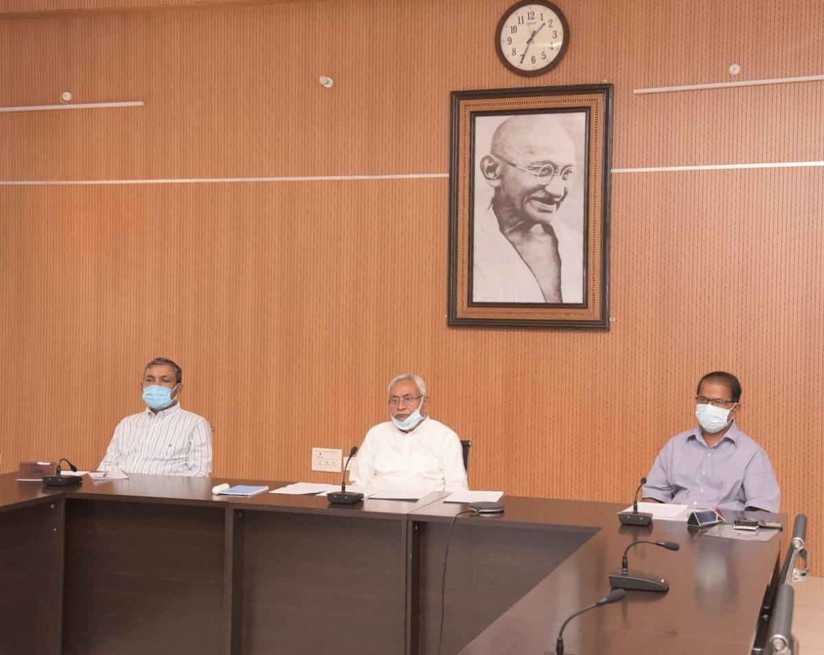 अधिकारी परिस्थिति के अनुसार हर जरूरी कदम उठाएं :मुख्यमंत्री
