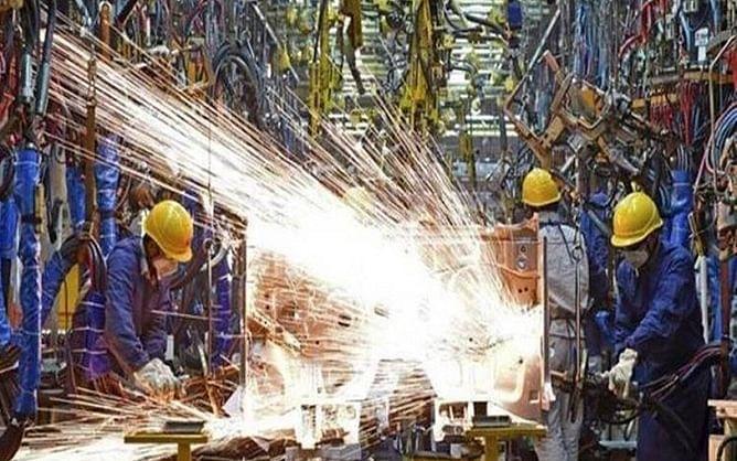 औद्योगिक उत्पादन फरवरी महीने में 3.6 फीसदी घटा