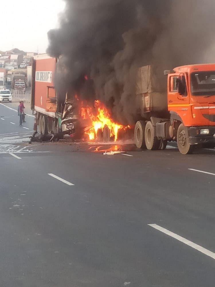 उदयपुर में दर्दनाक हादसे में चालक-खलासी जिंदा जले