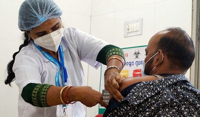गोरखपुर की बड़ी खबरें: कोविड-19 के पुनः बढ़ते प्रभाव को देखते हुए महापौर ने किया पार्षदों की बैठक