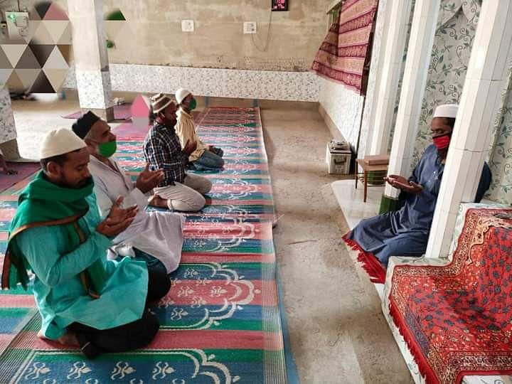 रमजान के पहले जुम्मे में मस्जिदों में नहीं जुटी भीड़