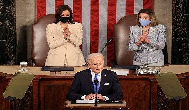 कांग्रेस में राष्ट्रपति बाइडेन के पहले संबोधन में हैरिस और पेलोसी ने रचा इतिहास