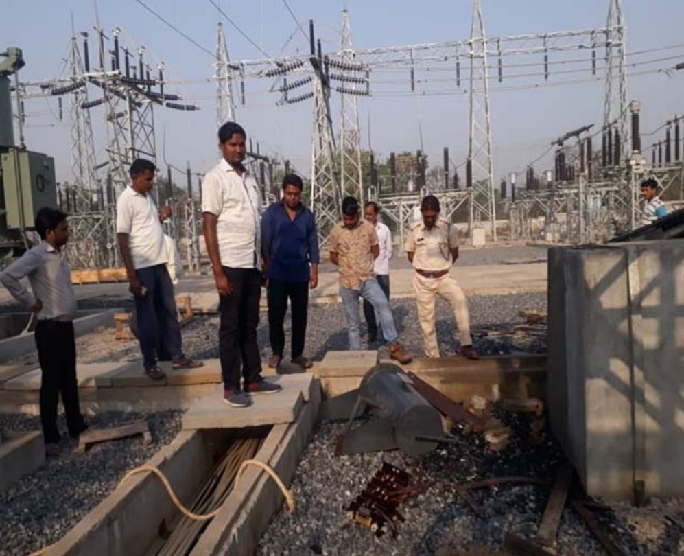 guard-held-hostage-pawar-loots-equipment-worth-40-lakh-under-construction