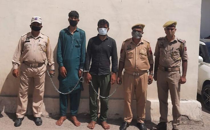 पशु तस्करी और पुलिस वाहन को टक्कर मरकर एस.आई को घायल करने वाले दो तस्कर गिरफ्तार