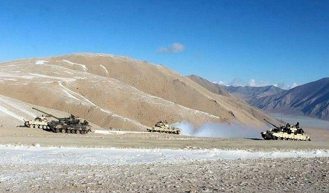 चीन-भारत सीमा पर कुछ सैनिकों को हटाए जाने के बावजूद तनाव बरकरार : रिपोर्ट