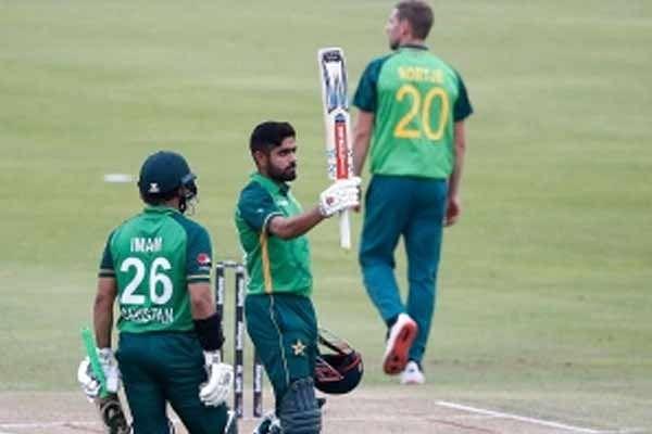 पाकिस्तान ने तीसरे टी-20 मुकाबले में दक्षिण अफ्रीका को नौ विकेट से हराया