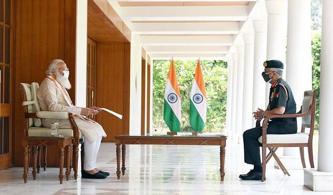 प्रधानमंत्री मोदी ने की सेना प्रमुख मुकुंद नरवणे से मुलाकात, राहत कार्य पर हुई चर्चा