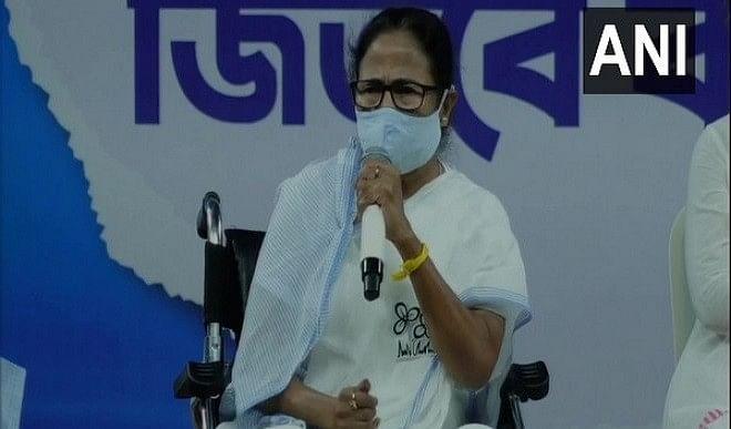 पश्चिम बंगाल चुनाव: ममता बनर्जी के करीबी TMC नेता अनुब्रत मंडल को EC ने दिया नजरबंद करने का निर्देश