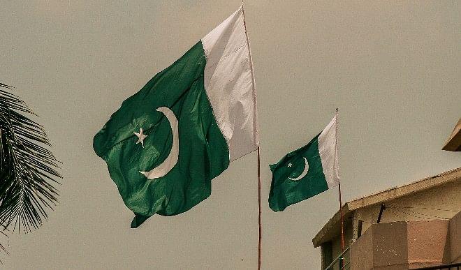 विदेशों में काम करने वाले पाकिस्तानी कामगारों के भेजे धन से अर्थव्वस्था को मिल रही मदद