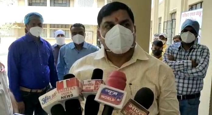 उज्जैन: मरीजों का हालचाल जानने पहुंचेे  प्रभारी मंत्री मोहन यादव